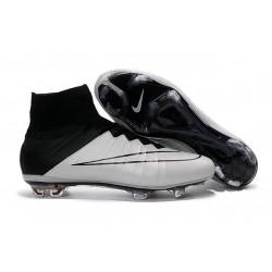Cristiano Ronaldo Crampon Nike Mercurial Superfly 4 FG Noir Blanche