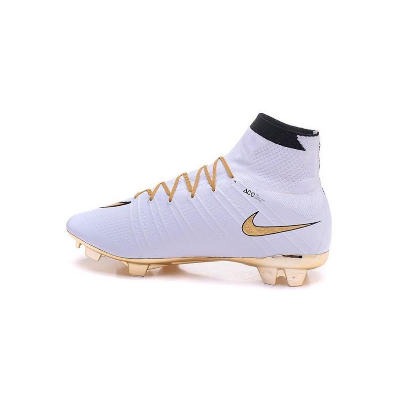 Chaussure a Crampon Cristiano Ronaldo Nike Mercurial Superfly FG Blanc Or d2eb0e2b0add3